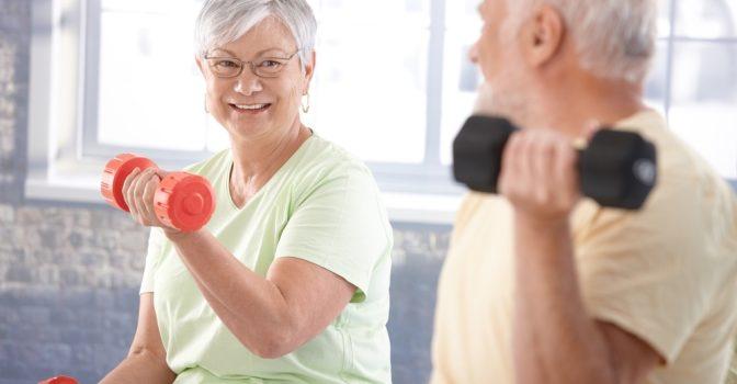 Eldre dame, langvarige rygg og hoftesmerter